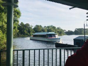 ケープメイカフェ 行き方 ボート